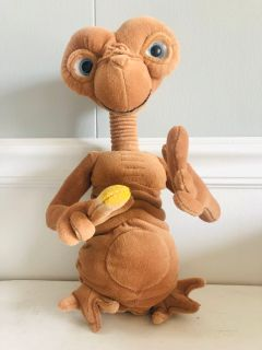 ET DOLL 11 TALL (Neck slightly stretches up and down) )$12