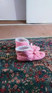 Dearfoams unused pink slippers Size 8-9 - Sewed in Mexico - U.S materials