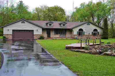 N1912 Hwy Z Wautoma Three BR, 6.1 acres of solitude between and