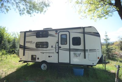 2015 Forest River ROCKWOOD MINI LITE 1905