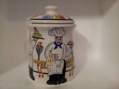 Cookie Jar with Chefs all around