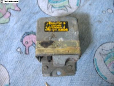 VW Bug voltage regulator 73 74 yr 043903808A