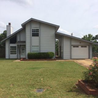 3 bed 2 bath home minutes to Rucker