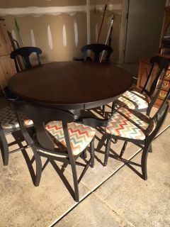 Canadel 54 Table with 20 leaf & 6 chairs