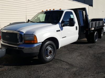"2000 Ford Super Duty F-350 DRW Reg Cab 165"" WB XL (Oxford White)"