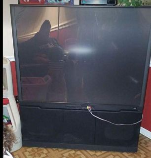 Big screen Television works great just got new tv