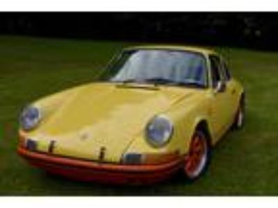 1969 Porsche 912 Yellow Black