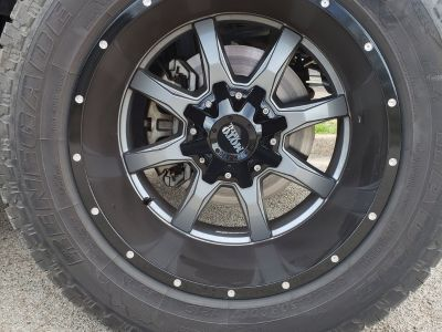 20x12 mo820 moto metal wheels