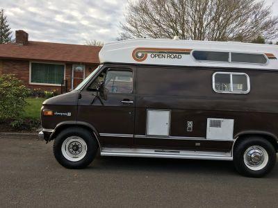 1975 Fleetwood Open Road C30
