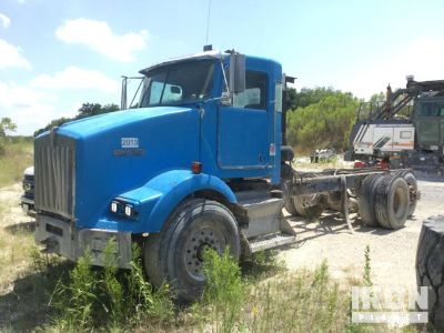 2000 (unverified) Kenworth T800 Cab & Chassis