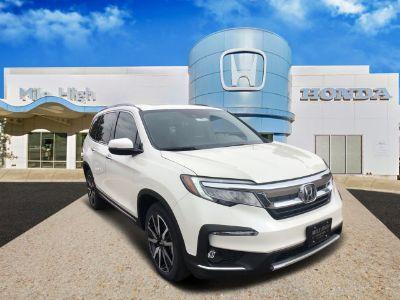 2019 Honda Pilot Touring 8-Passenger (Diamond White Pearl)