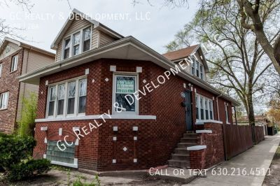 ***4 BDRM / 2 BATHS / 100% REHABBED / APP INCL / CENTRAL AC / 2 FULL BATHS / 2 CAR GARAGE***
