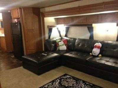 2012 44ft King Suite Travel Trailer