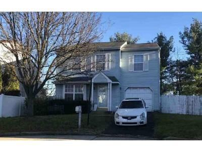 4 Bed 2.5 Bath Foreclosure Property in Philadelphia, PA 19154 - Cliffe Dr