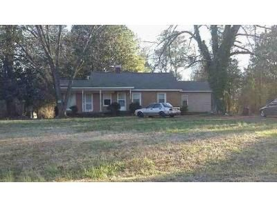 3 Bed 1 Bath Foreclosure Property in Greenwood, SC 29646 - Florida Ave