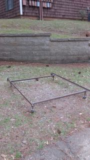 Queen-size / full-size / twin bed rails