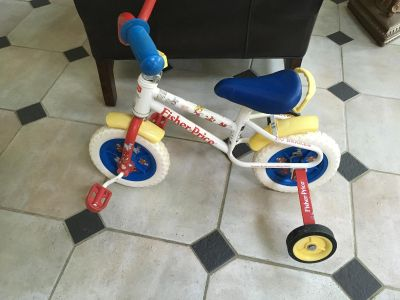 Fisher price little people 10 inch bike with training wheels