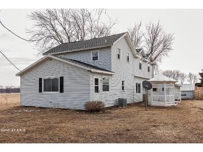3 Bed 2 Bath Foreclosure Property in Stoughton, WI 53589 - Oak Lawn Rd