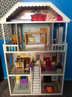 Doll house. Everything included! Good condition