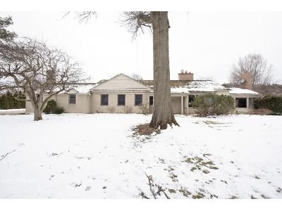 3 Bed 3 Bath Foreclosure Property in Bloomfield Hills, MI 48301 - Meadowlake Rd