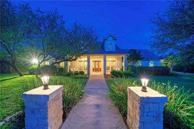 3725 Bee Creek Rd SPICEWOOD Four BR, Private, Casually elegant