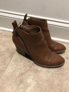 Dv Boots (Target) Size 10