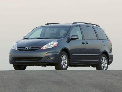 2007 Toyota Sienna CE 7-Passenger (Silver Pine Mica)
