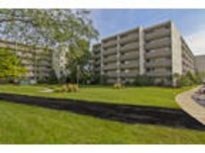 Park Towers Apartments - One BR, One BA 770 sq. ft.