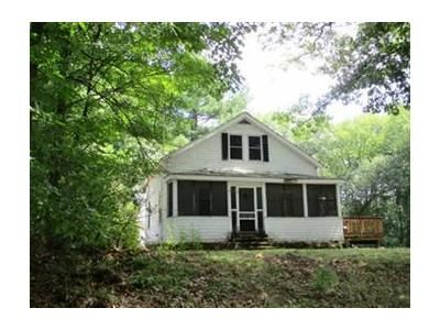2 Bed 1.5 Bath Foreclosure Property in Lancaster, MA 01523 - N Main St