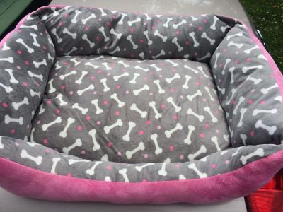 Never used Really cute small dog bed