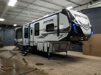 New 2018 Keystone Raptor 355TS 5th Wheel Toy Hauler Travel T
