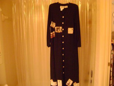 """Ladies Long Dress With """"Patchwork Photos"""" Including A Photo Of The Eiffel Tower - Size Small - NWT"""