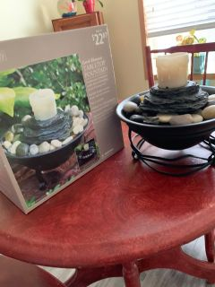 Cute table top fountain very good condition
