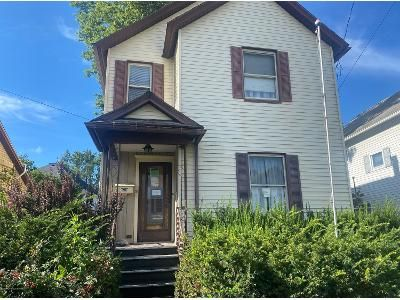 4 Bed 1.5 Bath Foreclosure Property in Carbondale, PA 18407 - 10th Ave
