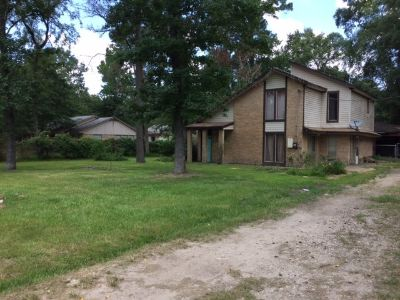 Home with a Big Fenced Yard For Sale or Rent to Own