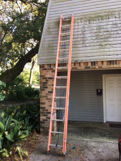 28 ft. Extension Ladder (Extends to 25 ft.) - Ideal for Cable Techs