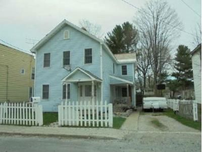 4 Bed 2 Bath Foreclosure Property in Hoosick Falls, NY 12090 - Center St