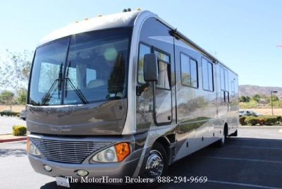 2006 Fleetwood Pace Arrow 37C w/3 Slide-Outs