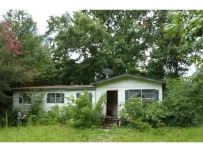 3 Bed 1 Bath Foreclosure Property in Louin, MS 39338 - County Rd 299
