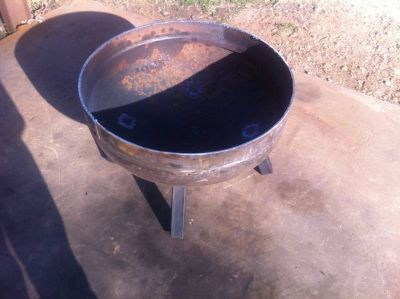 Propane tank end for fire pit