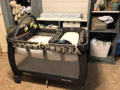Graco pack n play play yard with reversible napper and changer bassinet includes Colgate mattress