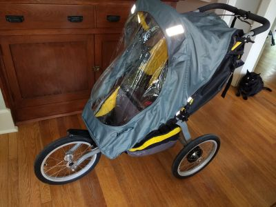 Bob Ironman jogging stroller with weather shield