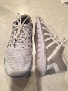 Champion - Size 10 - super comfy only worn 3x
