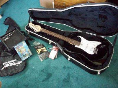 $125 Mint Black n White Electric Guitar Set With Accessories and Cases