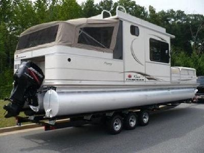 Gorgeous 2005 Sun Tracker Pontoon Boat 32 Regency Party Cruiser