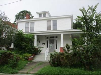 4 Bed 2 Bath Foreclosure Property in Colonial Heights, VA 23834 - Cameron Ave