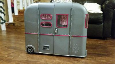 Christmas - Our Generation Camper with accessories