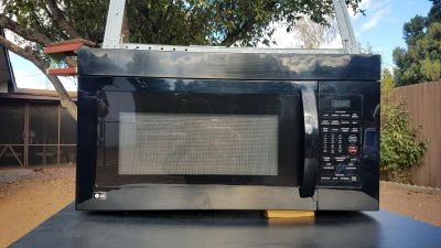 LG Microwave above stove unit.. Like new, black