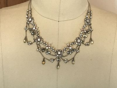 Vintage Jewel and Chain Costume Necklace