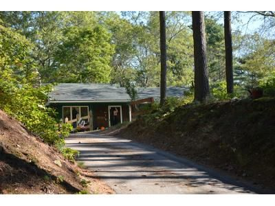 2 Bed 2 Bath Preforeclosure Property in Hope Valley, RI 02832 - Fenner Hill Rd